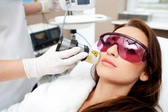В косметологических салонах разработаны и применяются современные методы борьбы против купероза