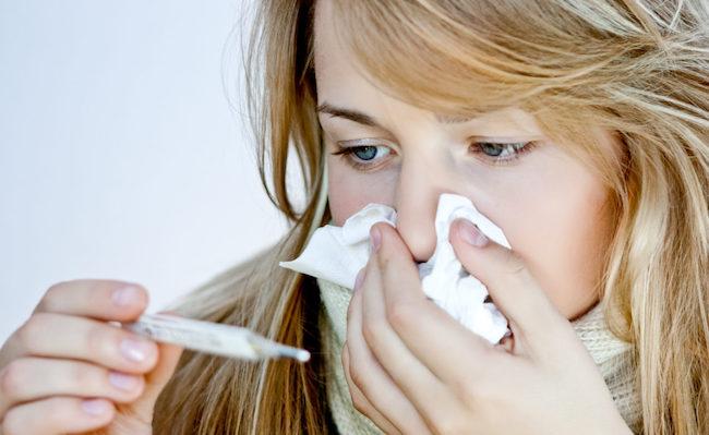 Если применение препаратов и народных средств не дает положительного результата, то врач может рекомендовать провести лечение затяжного насморка с помощью хирургического вмешательства