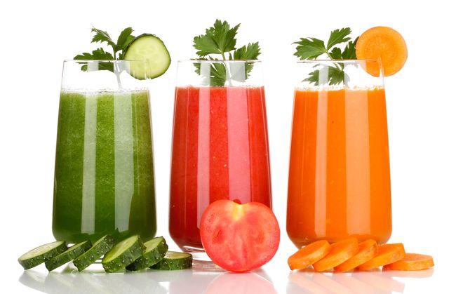Сокотерапия полезна не только в период простудных заболеваний, но и в качестве общеоздоровительного средства. так как насыщает организм витаминами
