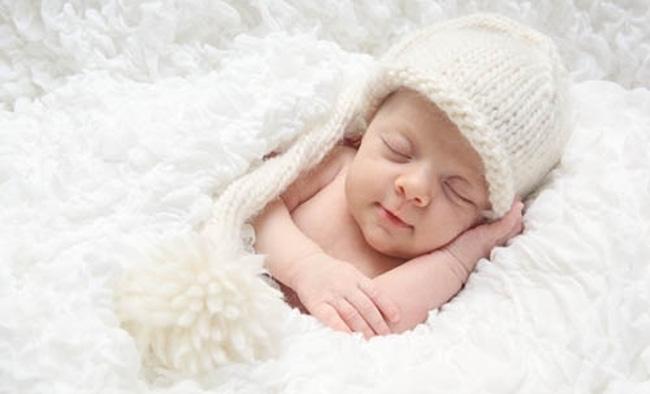 У новорожденных в крови наблюдается максимальное количество лейкоцитов, по мере роста ребенка, этот показатель приходит в норму