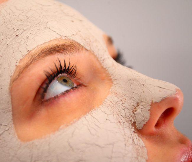 Лучшей маской против морщин многие женщины считают смесь на основе спирулины