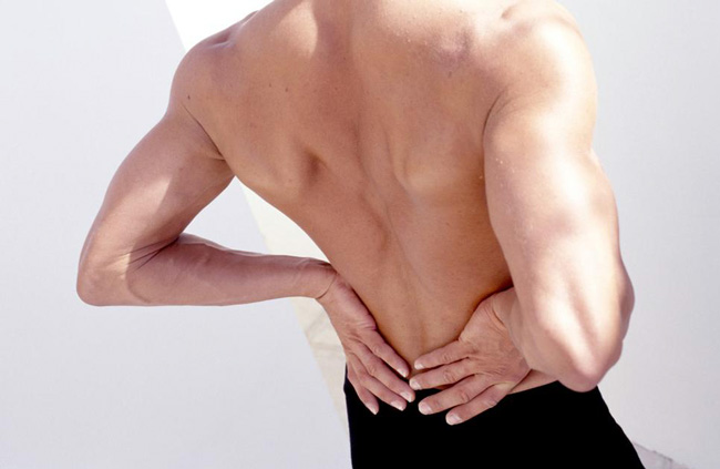 Применение мази Випросал В эффективно при наличии болезненных ощущений в области суставов. Данное наружное средство назначают для местного нанесения пациентам, страдающим миалгиями, невралгиями, ишиасом и радикулитом