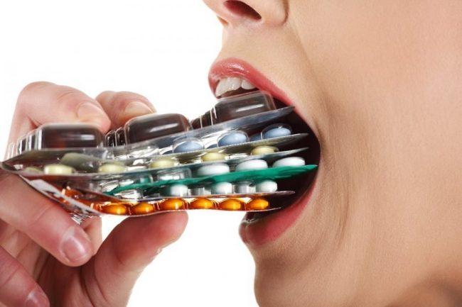 Препарат можно применять сочетанно с общепринятыми дезинтоксикационными средствами для лечения алкогольных пределириозных и делириозных состояний