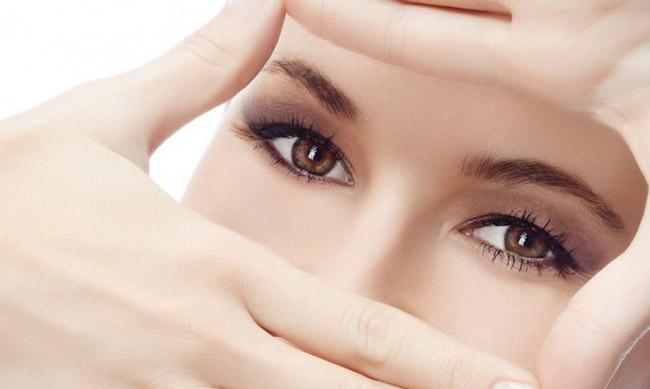 При правильном и регулярном применении настойки календулы можно улучшить остроту зрения