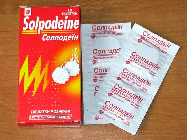 При сильных болях в желудке может помочь Солподеин, но он лишь снимает симптомы