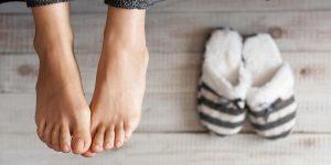 Игнорировать потливость ног нельзя. И речь идет не только об эстетической стороне вопроса, но и о здоровье человека
