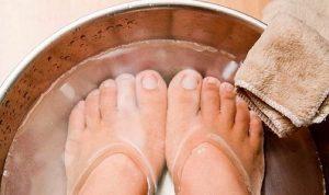 При начальной стадии, когда симптомы не очень серьёзные, ванночки с содой или солью могут помочь вам в лечении