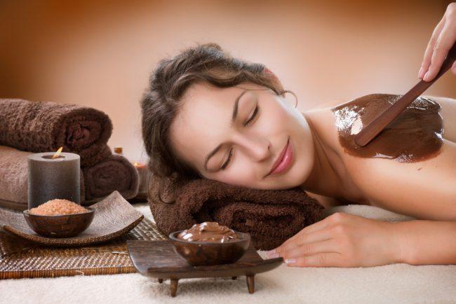 Шоколадное обертывание улучшает обменные процессы, помогает быстро похудеть и вернуть упругость коже