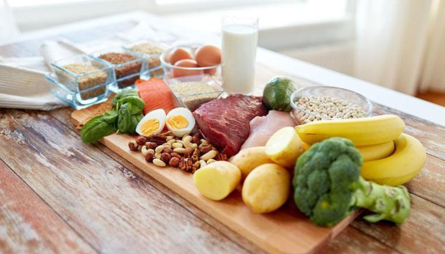 В схеме лечения описторхоза важное место занимает стол №5 по Певзнеру, в основе которого лежит частое питание небольшими порциями