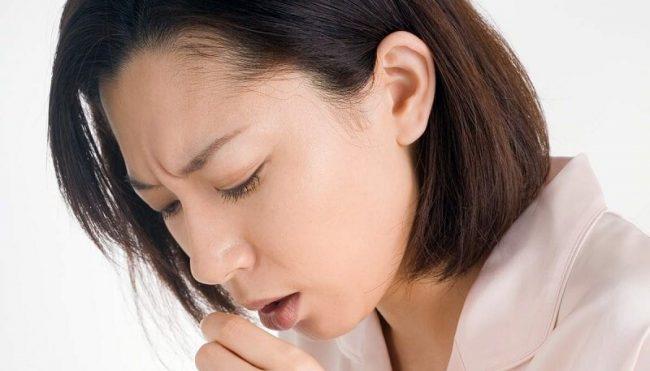 Симптоматика отравления парами ртути часто перерастает в хронические патологии печени, проблемы с деятельностью желчного пузыря, может возникнуть гипертония, атеросклероз сосудов и даже туберкулез. При серьезном отравлении пострадавший может впасть в кому
