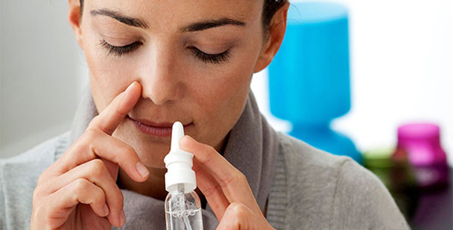 Перед использованием спрея Пиносол, необходимо провести проверку на аллергическую реакцию, для этого вводят лекарство в одну ноздрю и в течение нескольких часов наблюдать за состоянием