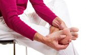 Подагра — что это за болезнь? Лечение медикаментами и народными средствами