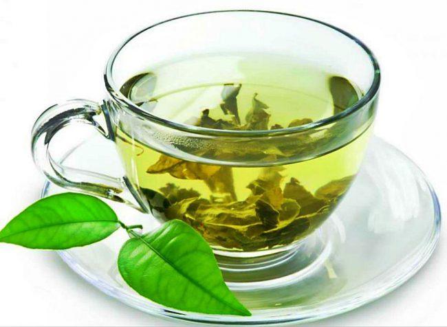 Для разгрузочного дня на чае можно выбрать зелёный или травяные варианты