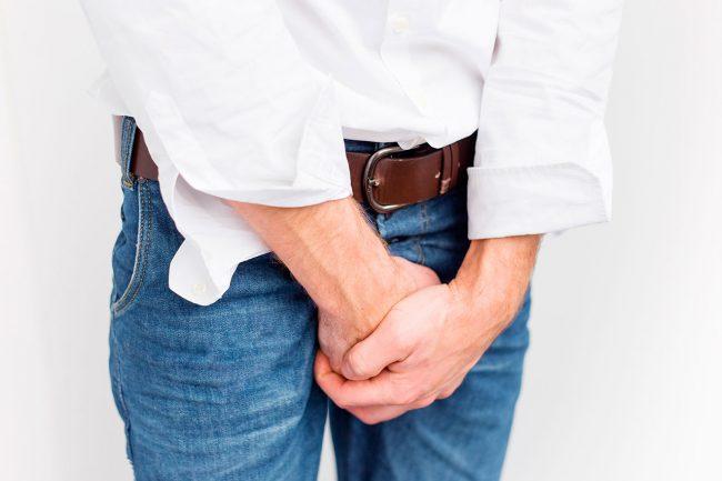 При покраснении головки у мужчин причины достоверно может выявить только специалист