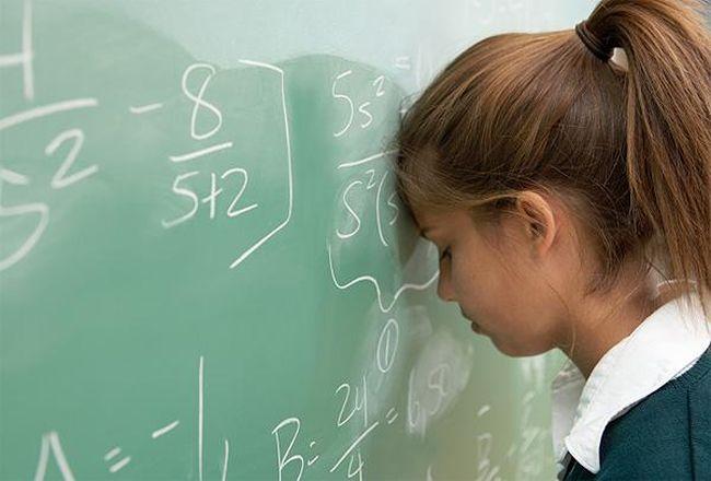 Стресс у подростков может стать причиной появления прыщей на спине