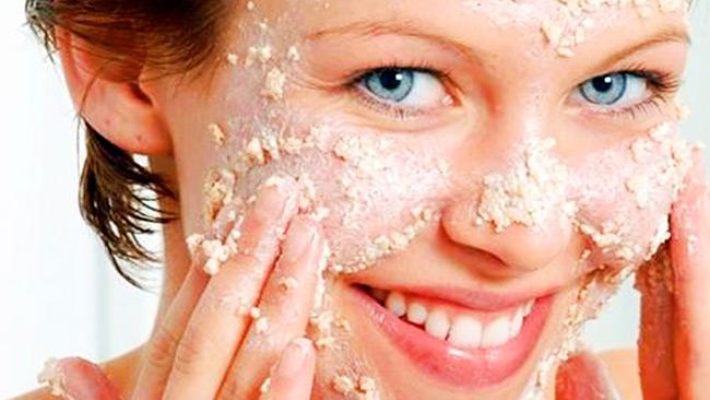 В зависимости от состава, маски могут улучшить питание кожи, справиться с воспалениями, уменьшить мимические морщины, после регулярного использования кожа становится более ровной, приобретает здоровый и ухоженный вид