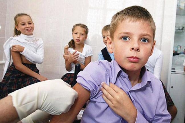 Проводить ли вакцинацию от гриппа решают родители