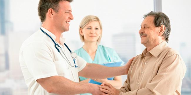 Чтобы предупредить развитие рака предстательной железы нужно регулярно проходить осмотр у врача и сдавать необходимые анализы