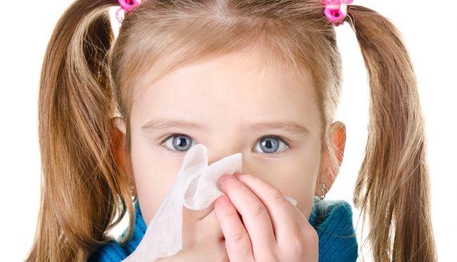 У детей часто диагностируется инфекционный ринит