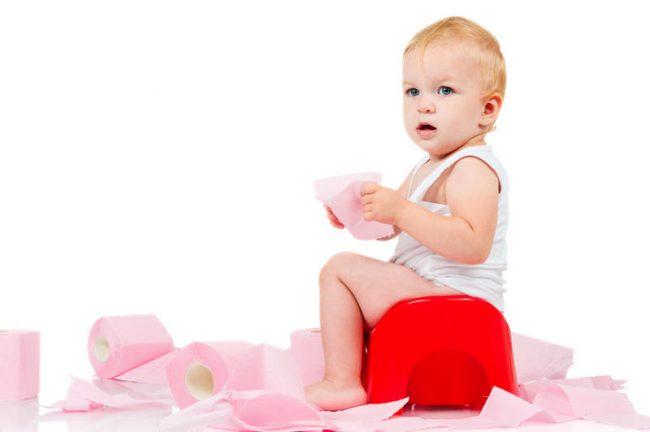 Пищевое отравление и несварение. Обычно при пищевом отравлении у ребенка наблюдаются рвота и понос без температуры или с температурой