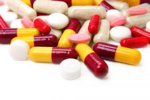 Среди лекарственных препаратов имеются как лекарства, так и мази и прочие весьма эффективные способы решения проблемы