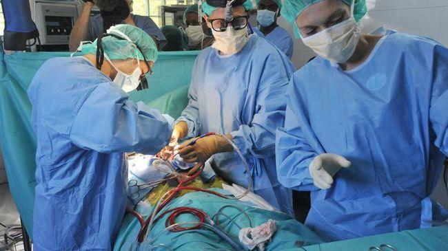 Лечение аппендицита может быть только хирургическое, ввиду высочайшего риска развития перитонита