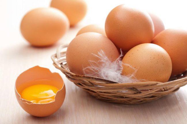 Питательные свойства 1 яйца соизмеримы со стаканом молока и 50 граммами мяса. Куриные яйца на 97% усваиваются организмом