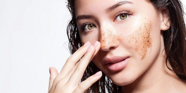При регулярном использовании скрабов можно забыть о профессиональных косметологических процедурах