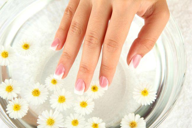 Спа-маникюр - отличная профилактика и лечение слоения ногтей
