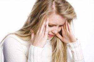 Наличие постоянной головной боли в одной зоне - это именно тот признак, который может указывать на присутствие данной патологии, поэтому при наличии ВСД и других подобных заболеваний, ежегодные проверки состояния здоровья - это залог счастливого будущего