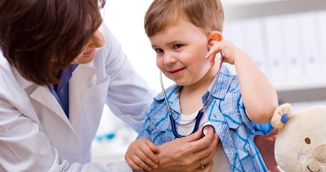 Как применять Кипферон для детей должен определить врач исходя из сложности заболевания