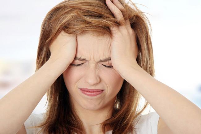 При передозировке Атаракса или приема препарата на фоне противопоказаний, возможны побочные эффекты в виде нарушения сознания и галлюцинаций