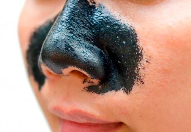 Вы сможете надолго забыть о проблеме черных точек, если будете регулярно выполнять домашние косметические процедуры