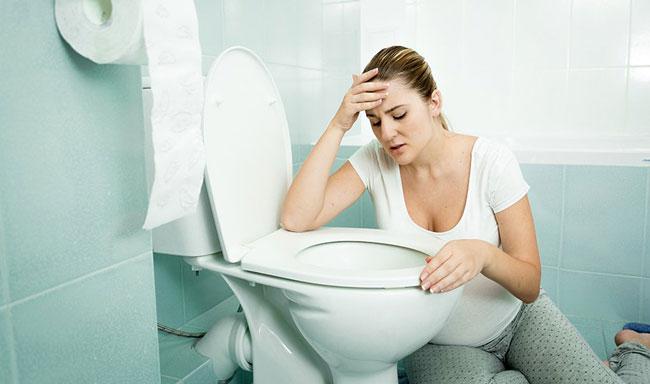 При возникновении сильной неконтролируемой рвоты требуется врачебное наблюдение в стационаре и индивидуально подобранное лечение