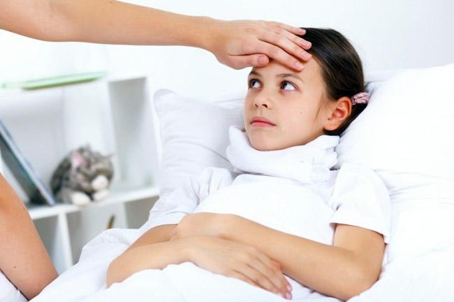 Траеит у детей обычно развивается под влиянием вирусов и бактерий