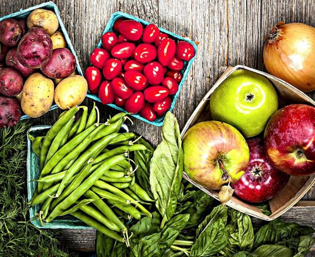 Для успешного лечения трещин на пятках, необходимо скорректировать питание
