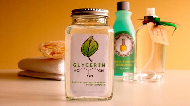 Глицерин позволит уже через несколько применений сделать кожу рук увлажненной и мягкой