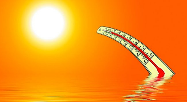 Тепловой удар чаще возникает при физических нагрузках, в условиях высокой влажности и температуры. Обычно от него страдают дети и люди пожилого возраста