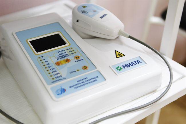 При вазомоторном рините специалисты советуют проходить процедуры, такие как лечебный электрофорез и фонофорез с димедролом и физраствором