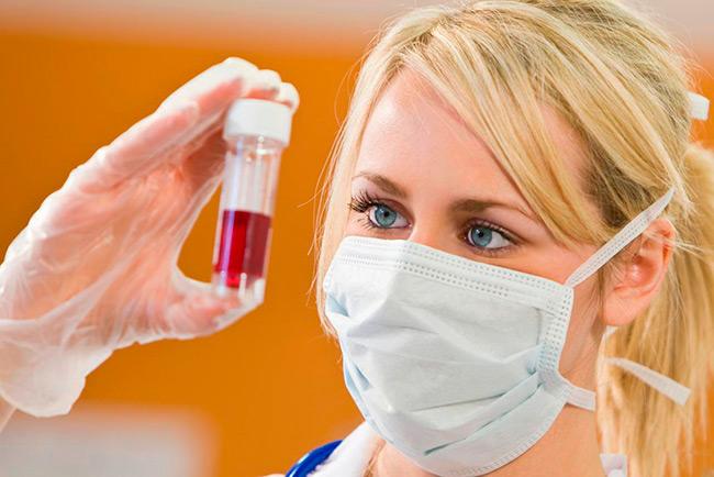 ВИЧ диагностируется исключительно в лабораторных условиях, поэтому если вы обнаружили у себя хотя бы несколько из вышеперечисленных симптомов вам стоит обязательно обратиться в специализированный центр для проведения теста на определение ВИЧ-статуса