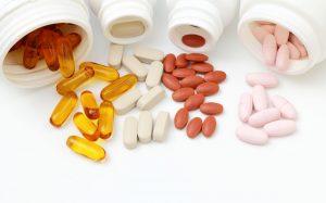 Если у вас есть недостаток этого витамина в организме, то после консультации с врачом, вы можете начать принимать синтетический аналог витамина В12