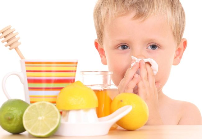 Респираторные заболевания чаще всего провоцируют организм ребенка на воспаление лимфоузлов на шее