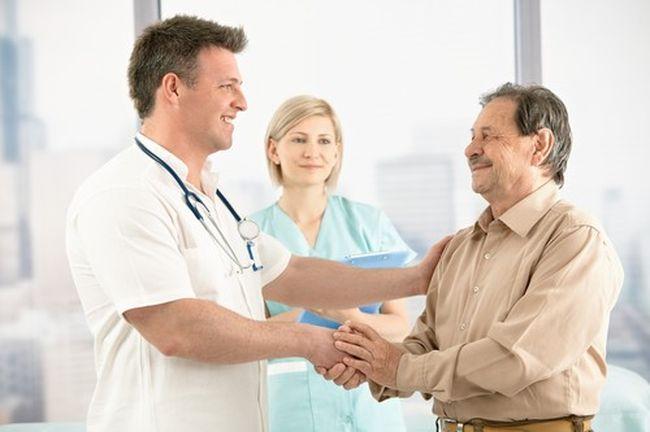 При воспалении лимфоузлов можно обратиться к следующим специалистам: инфекционисту, хирургу или венерологу