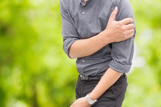 Главный симптомы Саркомы Юинга - не проходящая боль в костях