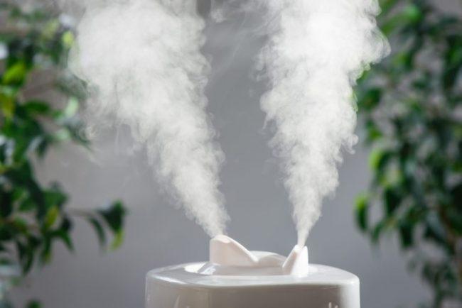 Независимо от предполагаемой причины заложенность носа нужно лечить, поскольку она препятствует нормальному поступлению воздуха в дыхательные пути, становится причиной кислородного голодания мозга и других органов, что сказывается на общем самочувствии