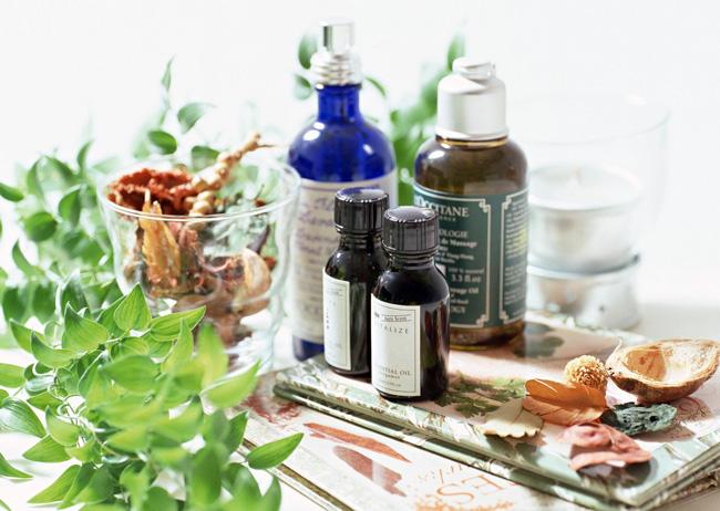 Народная медицина располагает широким набором средств для избавления неприятного запаха из влагалища, многие женщины успешно используют эти средства