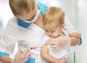 Капли зачастую применяется перед вакцинацией, чтобы исключить всякого рода аллергические реакции, при этом важно продолжить использование капель после укола