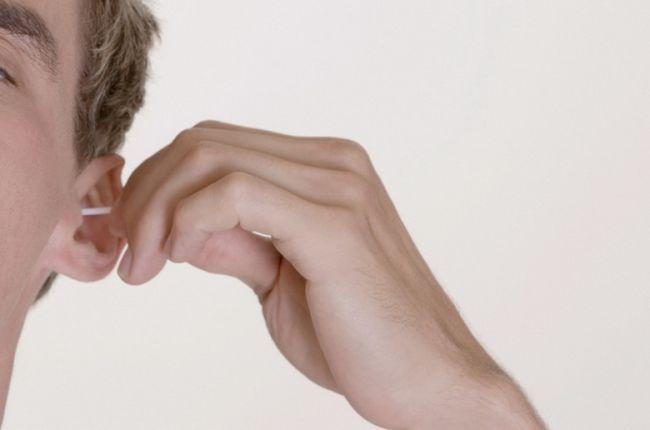 почему появляется неприятный запах изо рта