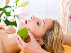 Алоэ используют для лечения патологий кожи