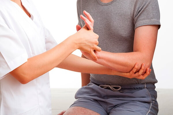 Важно помнить, что поставить верный диагноз сможет только врач, поэтому не стоит легкомысленно относиться к своему здоровью, а при первых неприятных симптомах стоит отправиться к поликлинику